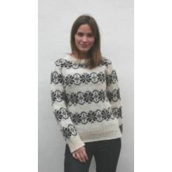 Råhvid sweater med mønster