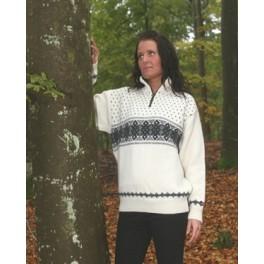 Råhvid sweater med vandret mønster