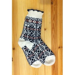 Hvide sokker med blåt mønster