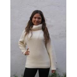 Råhvid sweater med stor krave